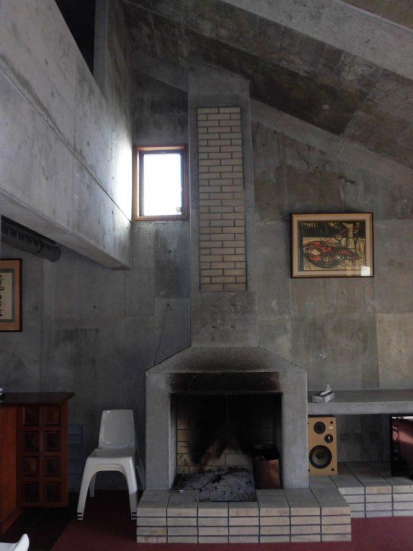 暖炉スペースを活かした薪ストーブ設置