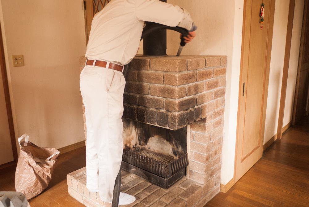 暖炉の掃除