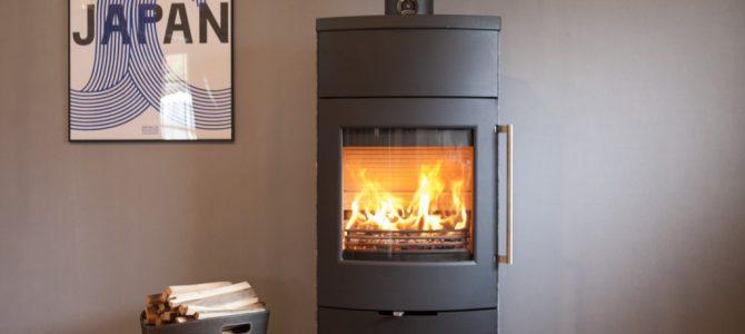 現代の高気密高断熱な住宅に最適な薪ストーブ TT80