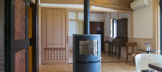 富山県小矢部市で薪ストーブと煙突の設置