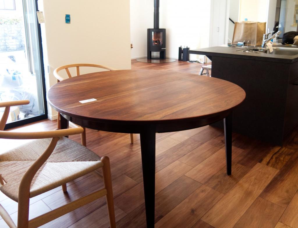 オーマンジュン model55 ダイニングテーブル